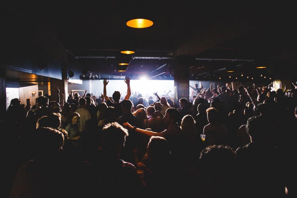 free gig at bondi beach road hotel, sydney