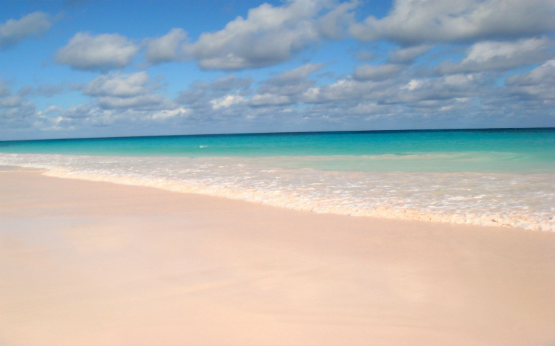 Pink Sands Beach, Harbour Island, The Bahamas.