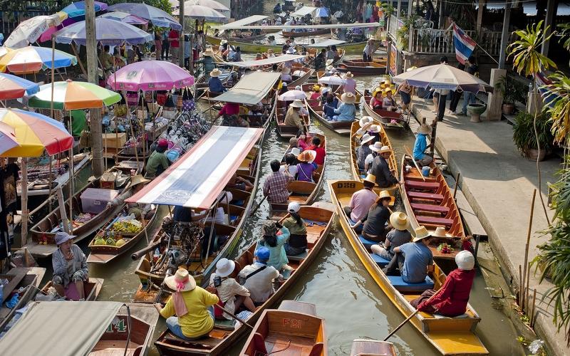 floating markets damnoen saduak thailand