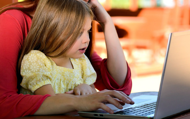 child parent laptop