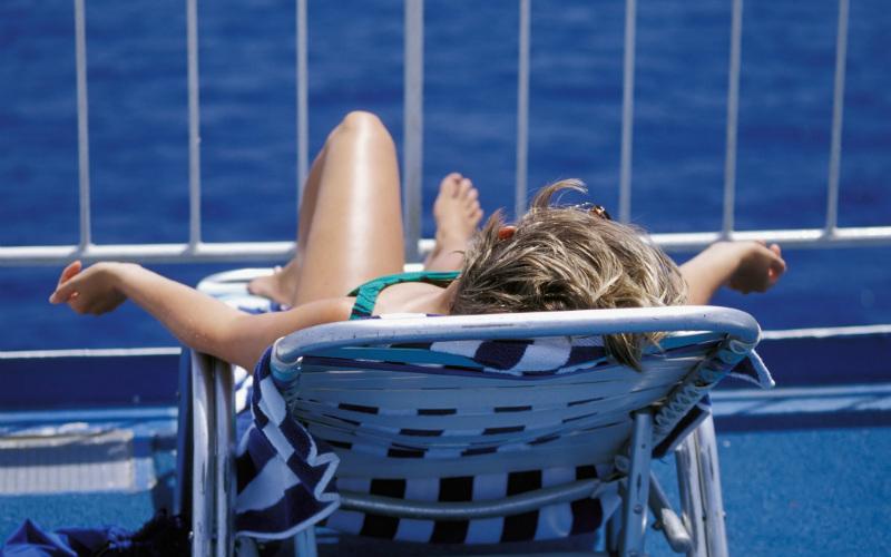 Sunbathing cruise
