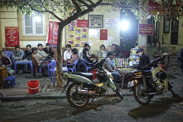 Hanoi-Old-Quarter-Street-Food-Vietnam