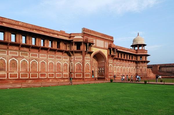 Jahangiri-Mahal-Agra-Things-To-Do-India