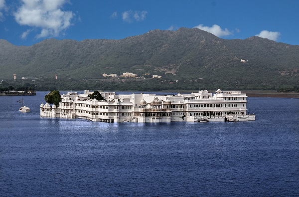 Taj-Lake-Palace-Udaipur-Things-To-Do-India