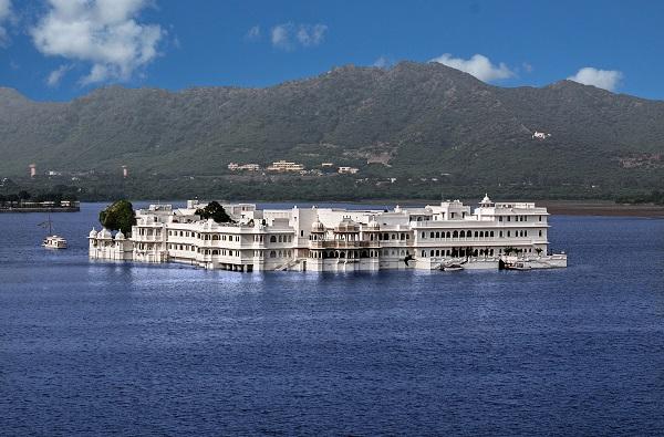 Taj-Lake-Palace-Udaipur-Things-To-Do-India