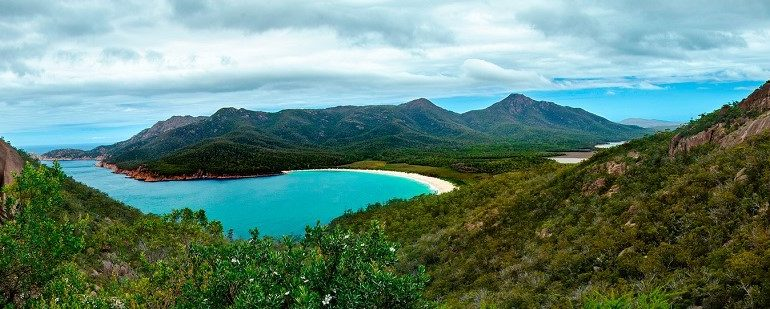Freycinet-Wineglass-Bay-Tasmania-East-Coast
