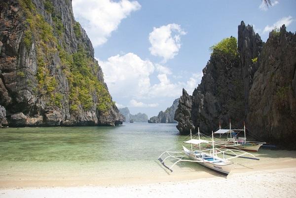Snorkelling-Beach-El-Nido-Philippines