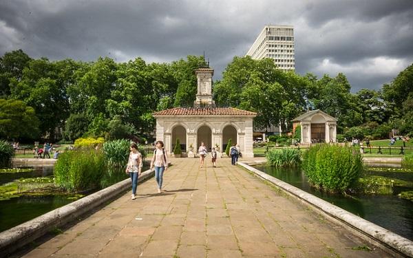 Italian-Gardens-Hyde-Park-Picnic-Spots