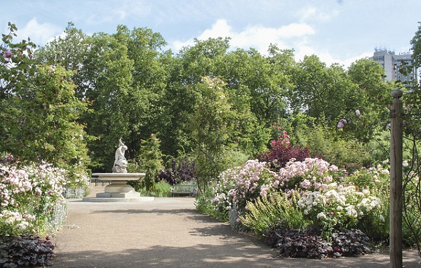 Hyde-Park-Where-To-Picnic-Rose-Garden