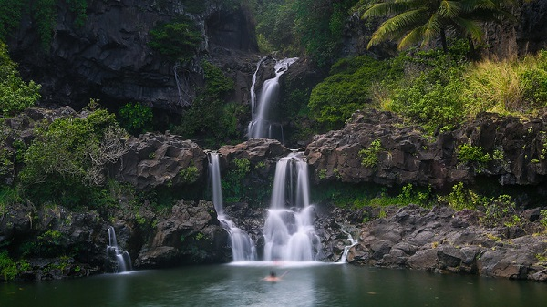 Pools-Of-Oheo-Seven-Sacred-Pools-Maui-Waterfalls-Hawaii