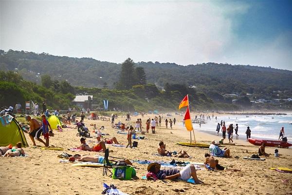 Lorne-Beach-Victoria-Schoolies-Destination