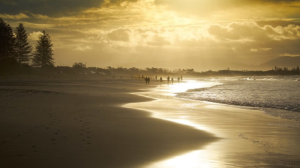 Main-Beach-Sunset-Byron-Bay