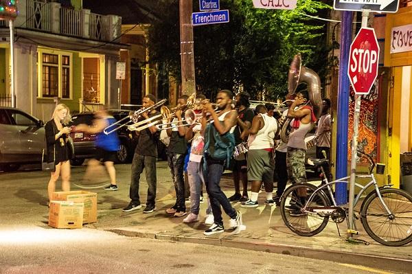 Corner-Jazz-Performance-Frenchmen-Street-New-Orleans
