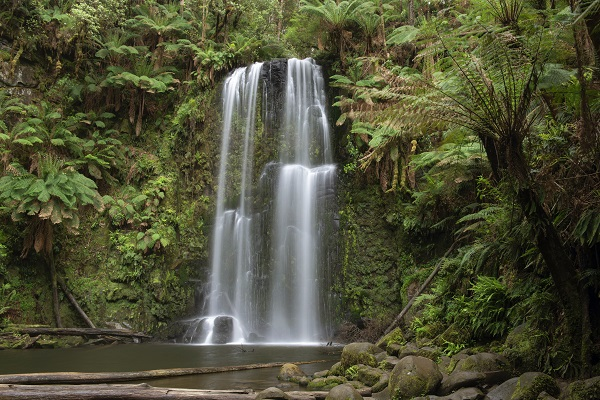Beauchamp-Falls-Great-Ocean-Road