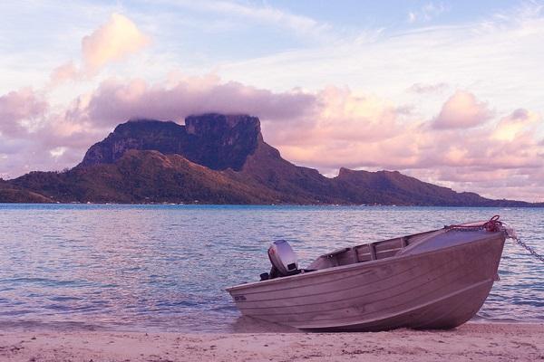 Bora-Bora-French-Polynesia-Honeymoon