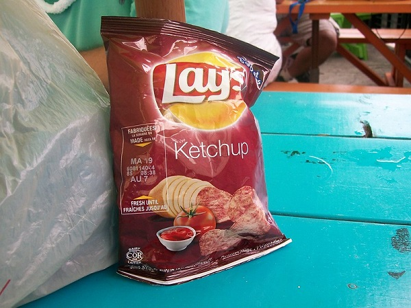 Ketchup-Flavour-Chips-Canada-Supermarket-Food