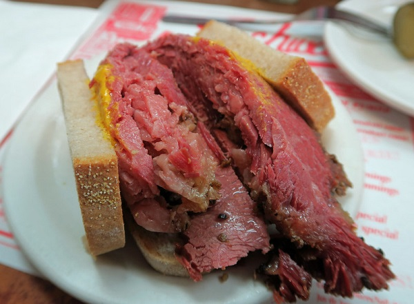 Montreal-Smoked-Meat-Sandwich-Deli-Canada