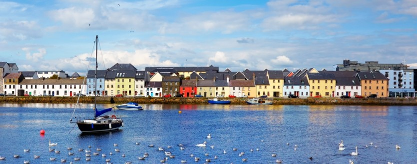 Jetting off to Galway for a couple days? Get a jump start on your itinerary with these tips for pubs, shopping and sightseeing.